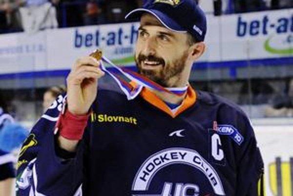 Peter Bartoš.