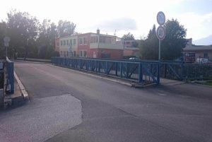 Problémový most.