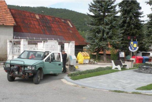Do rekonštrukcie zastávky avybudovania infocentra investovali približne tisíc eur.