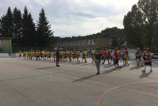 Kežmarskí hokejbalisti odštartovali sezónu na výbornú.
