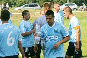Futbalisti Rumanovej sa tešia na výnimočný zápas.