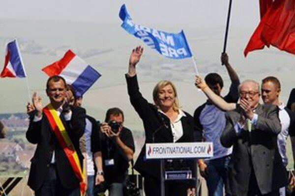 Marine Le Penová máva svojim priaznivcom.