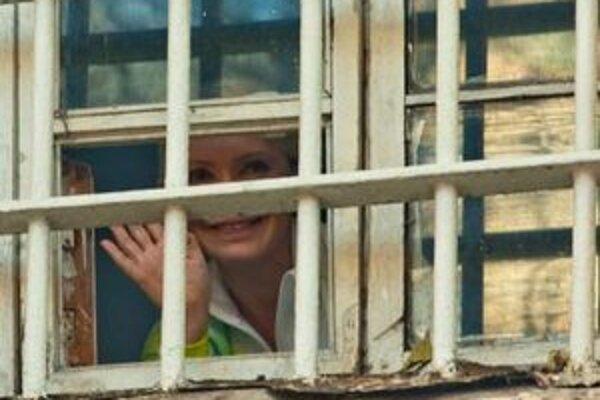 Bývalá ukrajinská premiérka Julia Tymošenková vo väznici.