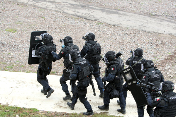 Cvičenie protiteroristických jednotiek v Lešti.