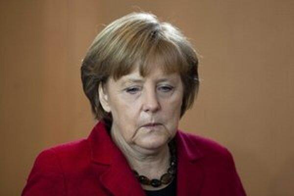 Merkelová v súčasnosti zarába vyše 16-tisíc eur mesačne.