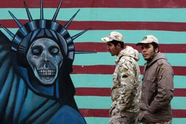 Príslušníci iránskych Revolučných gárd v Teheráne.