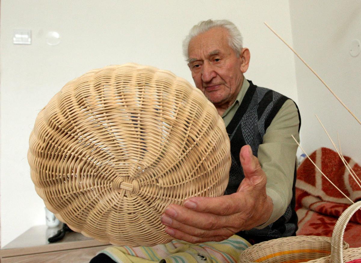 7c418c38b Jozef (91) sa naučil pliesť košíky na prahu deväťdesiatky (+FOTO ...