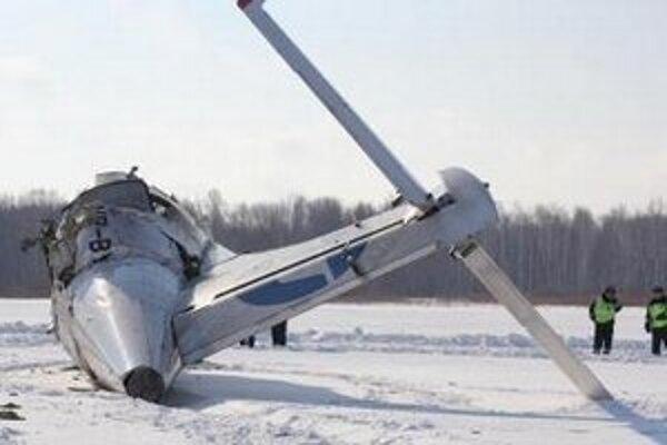 Trosky ruského civilného dopravného lietadla ATR-72.