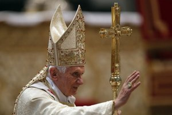 Otázka celibátu katolícku cirkev už dlhšie rozdeľuje.