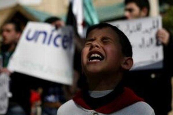 V Sýrii od začiatku nepokojov zahynulo najmenej päť tisíc ľudí.