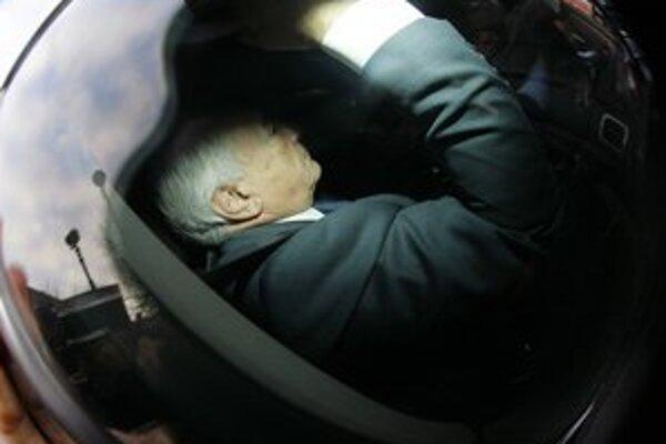 Strauss-Kahn prišiel do Lille ako svedok. Stal sa tam z neho podozrivý.