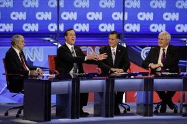 Ron Paul, Mitt Romney, Newt Gingrich, Rick Santorum počas diskusie.