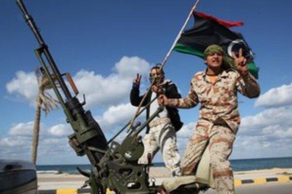 Takto si bývalí povstalci pripomenuli začiatok revolty proti Kaddáfího režimu.