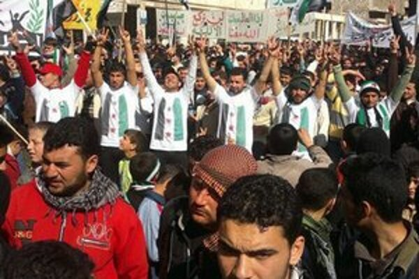 Demonštrácia proti Asadovi.