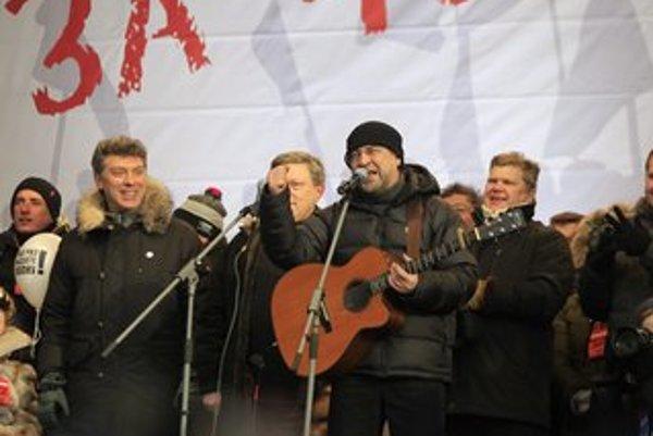 Rocková hviezda Jurij Ševčuk podporuje opozíciu.