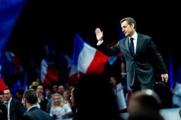 Sarkozyho predvolebný míting v Bordeaux.