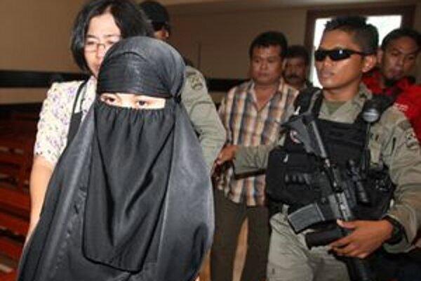 Ruqayyah binti Husein Lucenová na súde.