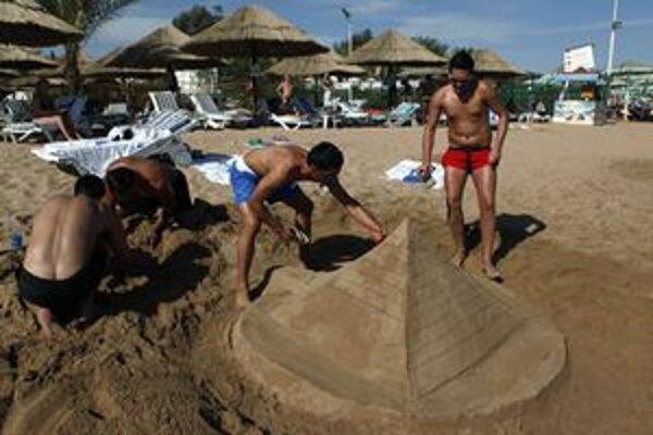 Ani turistické centrá v Egypte nemusia byť bezpečné.