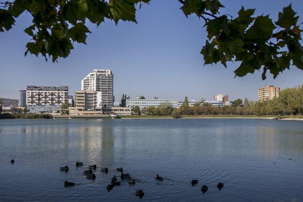 Štrkovecké jazero vzniklo v 50. rokoch.