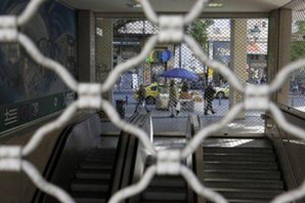 V Aténach v utorok nepremávalo ani metro.