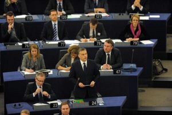 Orbán počas svojho vystúpenia v europarlamente.
