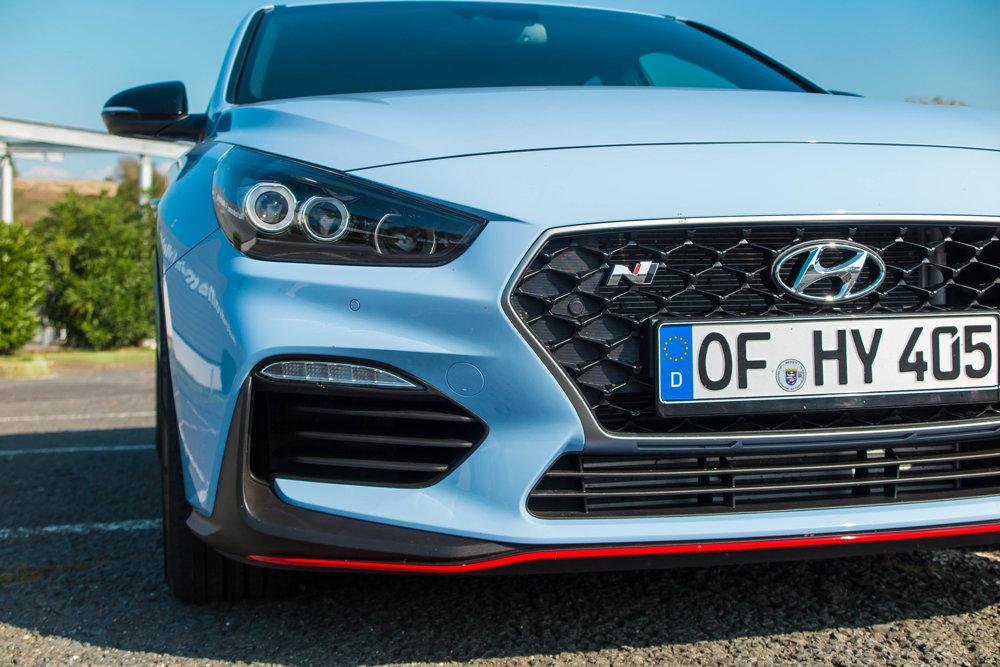 Písmeno N znamená podľa automobilky kórejské mesto Namyang a nemecký okruh Nürburgring - dve miesta, kde model i30 N vznikal.