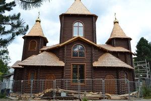 Pravoslávny chrám v Snine. Stavali ho ako skladačku. Materiál priviezli z Ukrajiny.