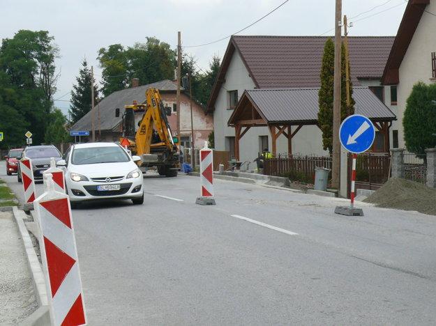 Premávka poriadne zhustla aj na dedine.