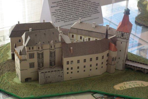 Výstava papierových hradov.