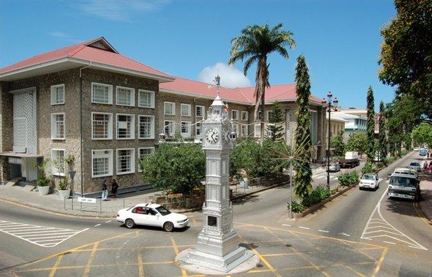 Hodinová veža v hlavnom meste Victoria, ostrov Mahé
