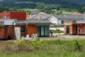 Ak chcete stavať, potrebujete okrem úveru časť peňazí vhotovosti.