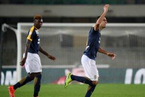 Jediný gól zápasu dal Romulo (vpravo).