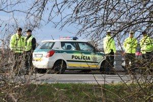 Ani intenzívne policajné kontroly niektorých vodičov neodradia od toho, aby si pred jazdou vypili.