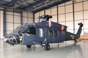 Vrtuľník Black Hawk.
