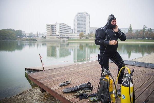 Čistenie Štrkoveckého jazera pri príležitosti 20. výročia revitalizácie,