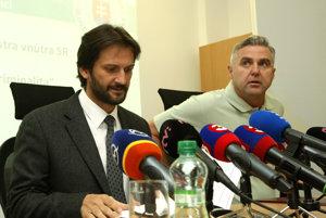 Podpredseda vlády SR a minister vnútra SR Robert Kaliňák, prezident Policajného zboru SR Tibor Gašpar.