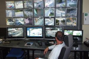 Ľudia z lokalít, kde žijú neprispôsobiví obyvatelia, žiadajú inštalovať kamery.