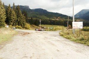 Bobrovecká dolina patrí medzi navštevované lokality vLiptove. Prístupová cesta je skôr na hanbu.