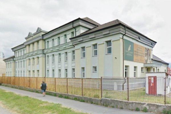 Kúpu školskej budovy musia najprv schváliť poslanci mestského zastupiteľstva.