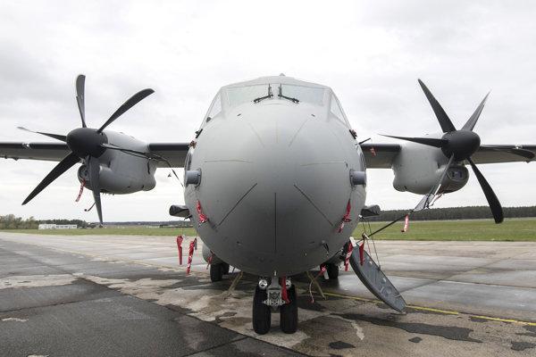 Viacúčelové transportné lietadlo C-27J Spartan.