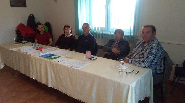 Komisia v obci Potok.