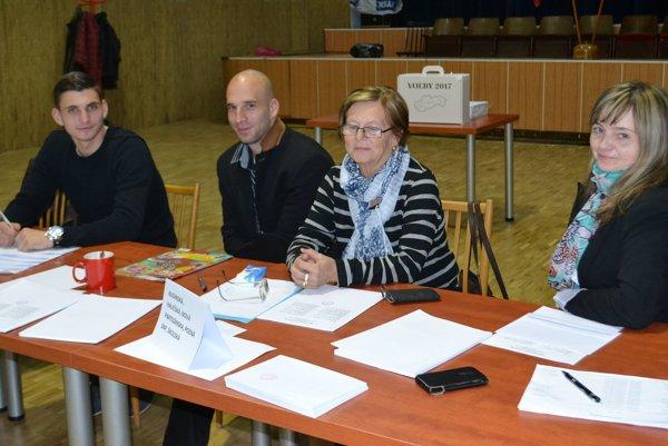 Voľby v Tomášovciach sú pokojné. Účasť voličov bola do 13.30 hod. slabšia.