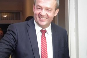 Jaroslav Baška vyhral voľby v Trenčianskom kraji. Dostal takmer 50 percent všetkých hlasov.