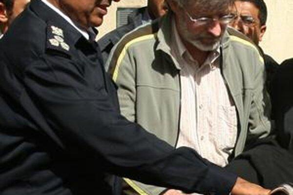 Max Göldi sa vzdal líbyjským úradom.
