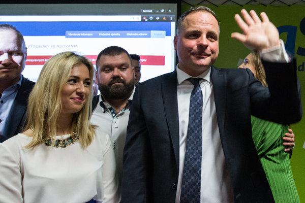 Novozvolený bratislavský župan Juraj Droba (vpravo).