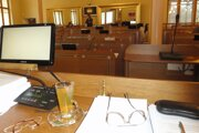V nitrianskom župnom parlamente zasadá 54 poslancov.