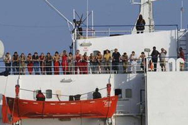 Ukrajinská loď Faina bola pre somálskych pirátov dobrým úlovkom.