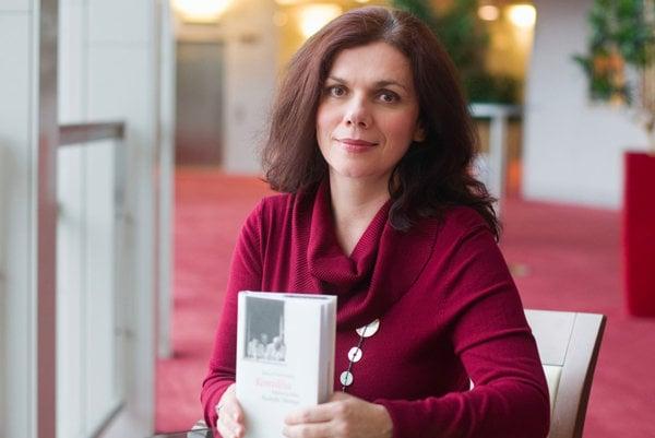 Denisa Fulmeková a jej kniha Konvália.
