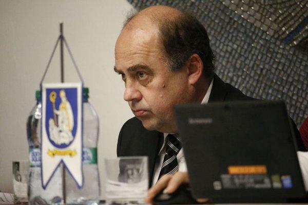 Daniel Daniš funkciu primátora podľa vlastných slov nerobí pre peniaze, zníženie platu ale neakceptoval.