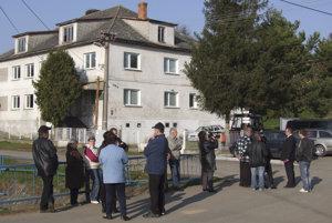 Obec Kvakovce.